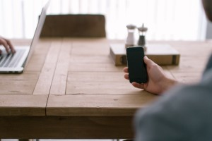 using your mobile cell phone to run a business without an office